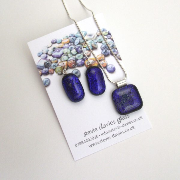 Large size dichroic glass jewellery set from Stevie Davies