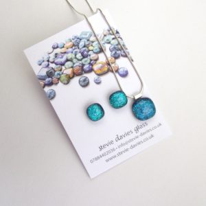Medium size dichroic glass jewellery set from Stevie Davies