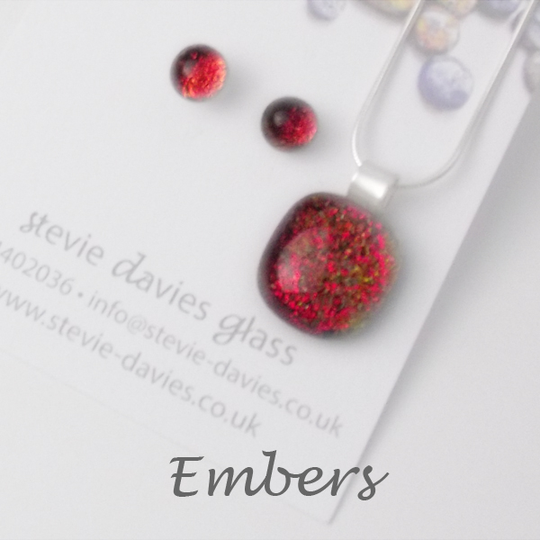 Embers dichroic glass small jewellery set by Stevie Davies
