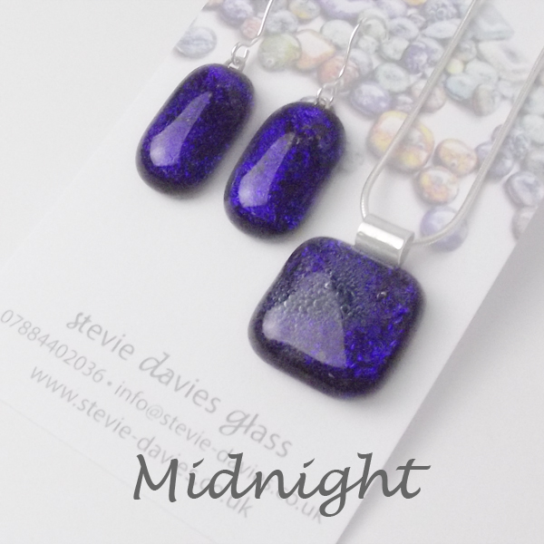 Midnight dichroic glass large jewellery set by Stevie Davies