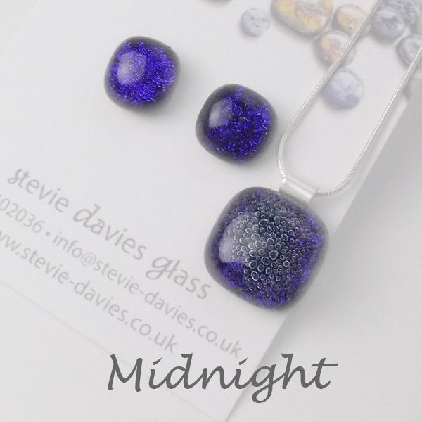 Midnight dichroic glass medium jewellery set by Stevie Davies