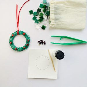 Mini wreaths craft kit by Stevie Davies Glass