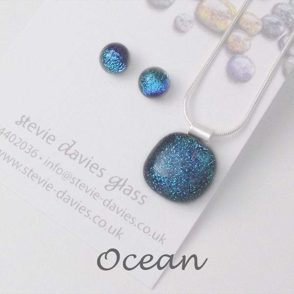 Ocean dichroic glass small jewellery set by Stevie Davies