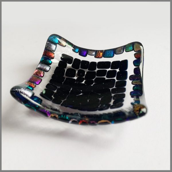 Photo of finished piece from trinket dish kit from Stevie Davies Glass